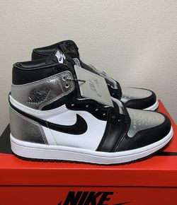 Air Jordan 1 Retro High Silver Toe Size 10W/8.5M for Sale in Clackamas,  OR