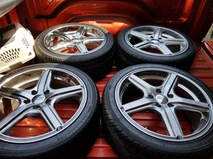 """Chrome white 18"""" tires and rims together one price for Sale in Dolton, IL"""