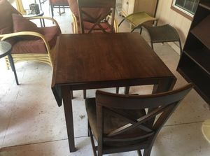 Small table with 2 chairs for Sale in Buffalo Gap, TX