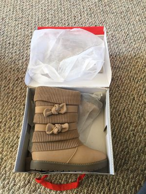 Girls Toddler/Little Kid/Big Kid Faux Fur Lined Mid Calf Winter Snow Boots US US 2 for Sale in Waltham, MA