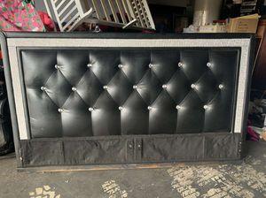 Diamond bed headboard for Sale in Sanger, CA