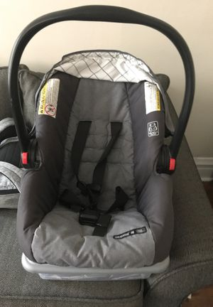 Baby car seat for Sale in Berwyn, IL