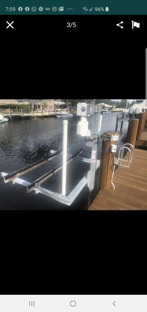 Hi Tide 1000lbs jetski small boat lift for Sale in Lauderdale-by-the-Sea, FL