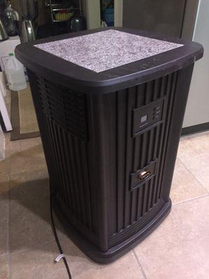 Aircare Pedestal 3.5 Fallon Tower evaporative Humidifier for Sale in Austin, TX