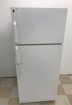 HOT POINT FRIDGE for Sale in Salisbury, MD