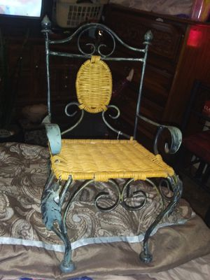 Roadiron chair for Sale in Murfreesboro, TN