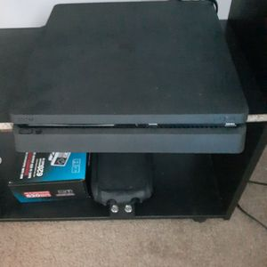 Ps4 Mint for Sale in Waterbury, CT