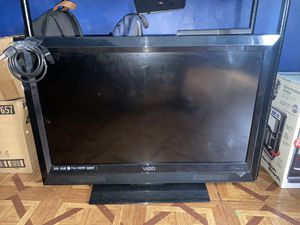 """32"""" LED TV for Sale in The Bronx, NY"""
