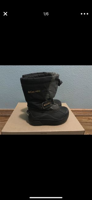 Kids warm boots Size 10 Columbia warm winter snow rain boots for Sale in Portland, OR