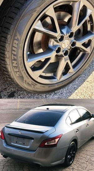 $1200 Nissan Maxima for Sale in Los Angeles, CA