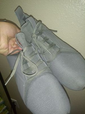 Pumas gray 10.5 for Sale in Houston, TX