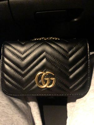 Gucci GG Marmont black crossover bag for Sale in Tempe, AZ