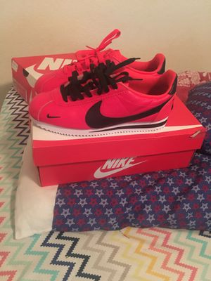 Nike cortez (size 8) for Sale in Orlando, FL