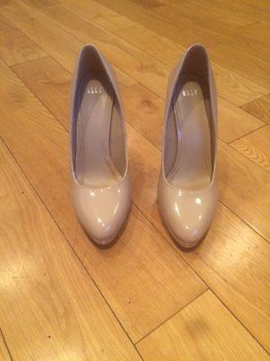 Elle heels for Sale in Covina, CA