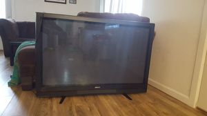 Hitachi 55 inch plasma TV (NEEDS REPAIRED!) for Sale in Monroe, WA