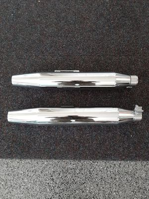 Harley Davidson mufflers exhaust pipes Dyna Fxd for Sale in Vancouver, WA