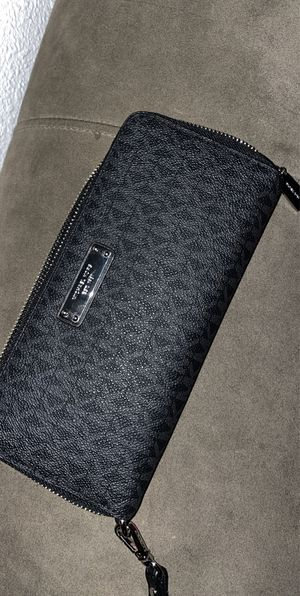 Micheal Kors Wallet for Sale in Aurora, CO