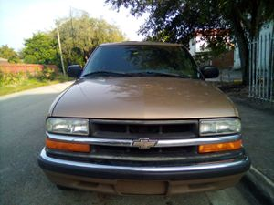2000 Chevy Blazer LT for Sale in North Miami Beach, FL