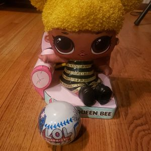 LOL Queen Bee Bundle With LOL Surprise All Star BBs for Sale in Des Plaines, IL