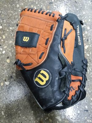 Wilson baseball glove size 13 for Sale in Bloomingdale, IL
