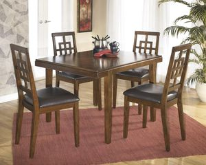 Dining table and 4 chairs for Sale in Atlanta, GA