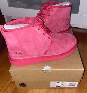 UGG K Neumel ll Size 2/3/5 Boot Pink K/1017320K for Sale in Paramount, CA