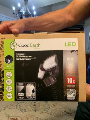 Good earth lighting motion detector lights for Sale in San Angelo, TX