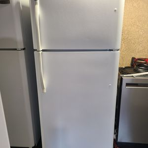 refrigerator top freezer kenmore includes ice machine for Sale in Santa Ana, CA