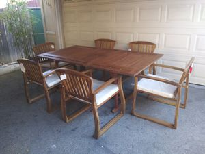 Outdoor patio table and chairs for Sale in Los Angeles, CA