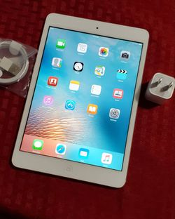 iPad Mini 1 | 1st Generation | Wi-Fi Internet access | 7 inch iPad | Usable with Wi-Fi ONLY for Sale in Springfield,  VA
