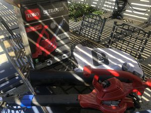 Barely Used Toro Electric Leaf Blower Vac for Sale in Poway, CA