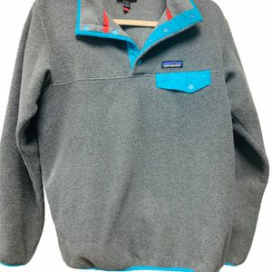 Patagonia women's Synchilla Snap Pullover MEDIUM Like new for Sale in Marietta, GA