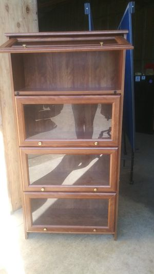Book shelf or display cabinet for Sale in Oregon City, OR