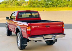 4WD / RUNS EXCELLENT * NEW TIRES # TOYOTA TACOMA 2004 for Sale in Columbus, OH