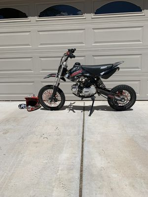 SSR-125 Dirtbike w/ Helmet and Goggles for Sale in Surprise, AZ