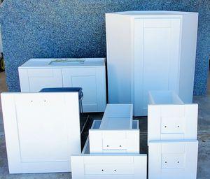 White Shaker Kitchen Cabinets Bundle for Sale in Chula Vista, CA