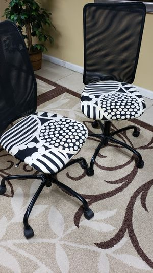 Three chair asking for all of 60 for Sale in Dearborn Heights, MI
