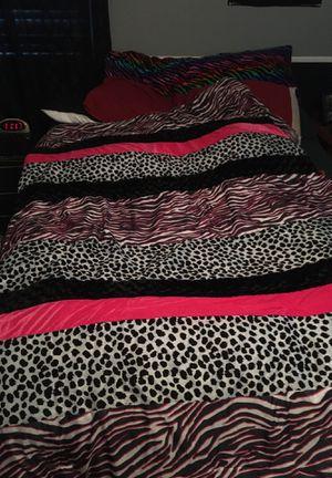 Multi design satin comforter. (Pink version) for Sale in San Tan Valley, AZ