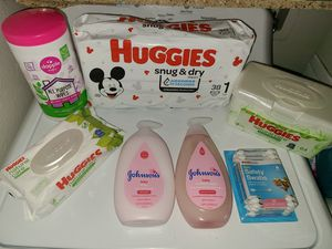 HUGGIES BRAND DIAPER BUNDLE-SIZE 1 for Sale in Stockton, CA
