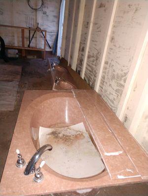 Soaking tub for Sale in Frostproof, FL