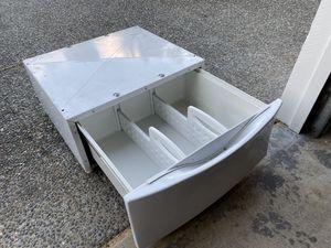 Kenmore washer/dryer pedestal for Sale in Everett, WA