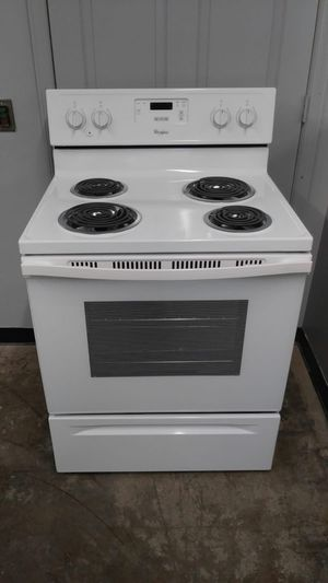 White Electric Stove for Sale in Maplewood, MO