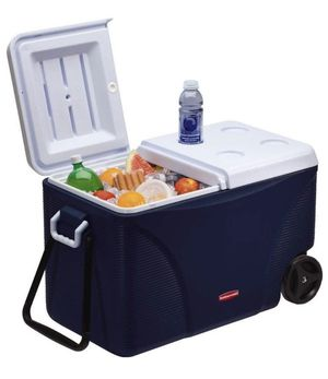 Rubbermaid Cooler 75Qt - 5 day cooler for Sale in Brooklyn, NY