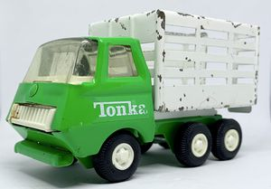 Vintage 1970s Tonka Stake Side Truck With Dump Green And White for Sale in Everett, WA
