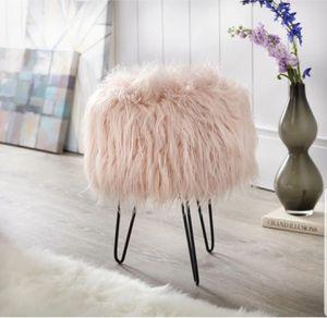 Pink Glam Fuzzy Round Stool for Sale in Marietta, GA