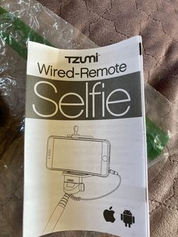 Wired-Remote Selfie Stick for Sale in Killeen,  TX