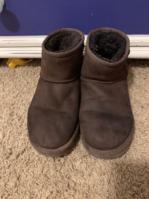 Women's short UGGs boots for Sale in Gresham, OR