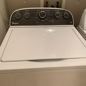 Whirlpool washer for Sale in Bolingbrook, IL