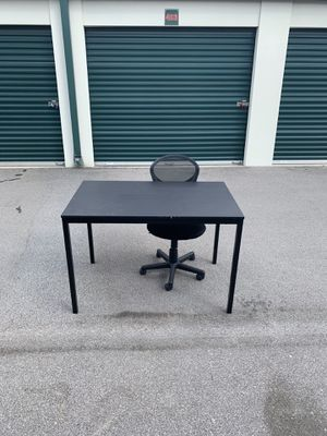 Desk with secretary chair for Sale in Nashville, TN