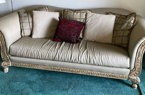 Beautiful sofa with decorated trim. for Sale in Largo, FL